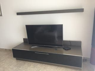 Mueble de TV y estantería