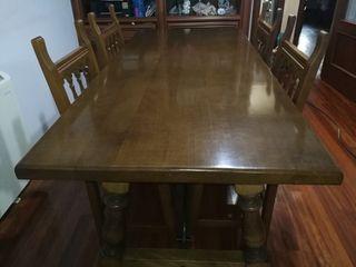 mesa de madera antigua maciza con 6 sillas