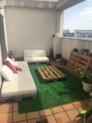 URGE!! Conjunto sofás jardín palets