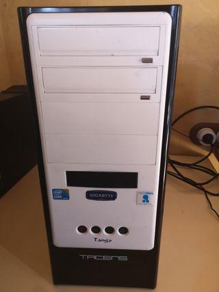 PC de sobremesa + Monitor Asus
