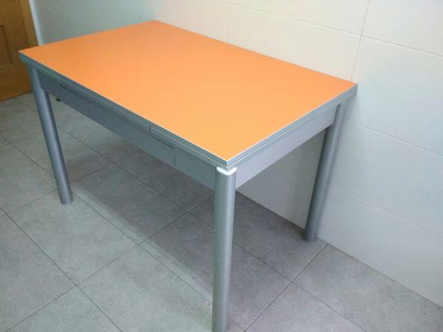 Mesa de cocina extensible de segunda mano por 90 € en Zaragoza en ...