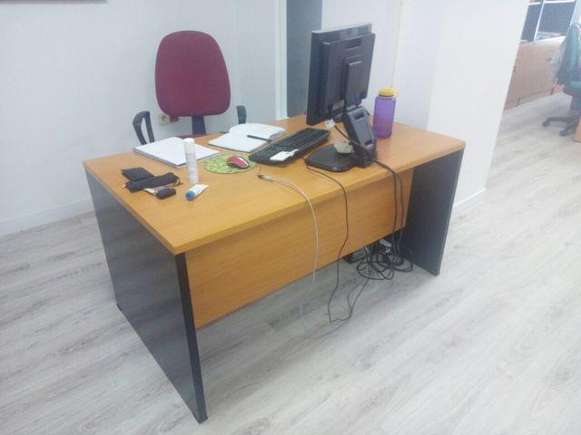 Mesa oficina de segunda mano por 75 € en Madrid en WALLAPOP