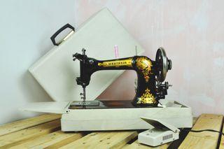 Maquina de coser antigua Wertheim