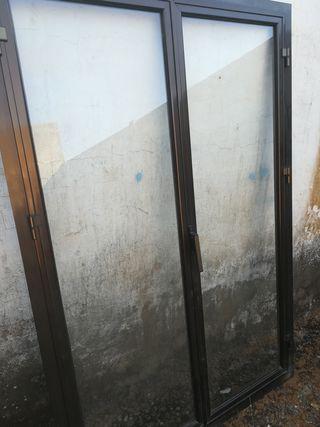 Ventana de aluminio abatible de segunda mano en wallapop for Ventanas de aluminio de segunda mano