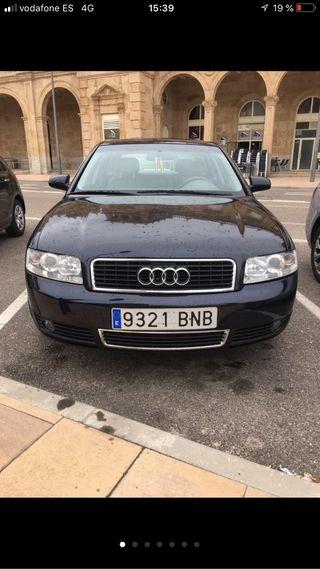 Audi A4 2.0 16v negociable