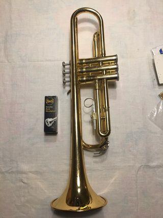 Trompeta yamaha YTR1335