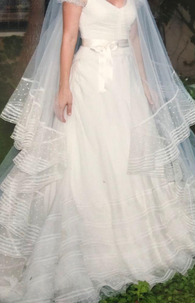 vestido de novia con velo de victorio y lucchino de segunda mano por