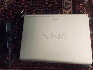 Portátil Sony Vaio.