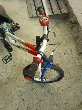 bicicleta de niño 4 ruedas