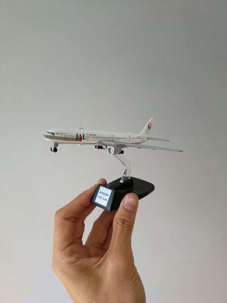 Maqueta avión Boeing 777