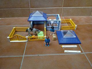 Establo Playmobil.