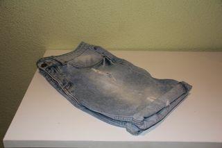 Pantalones cortos marca Eleven Paris ,talla 43