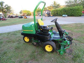 John Deere 2500 B Diesel Greens-Tees