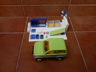 Quirófano veterinario y coche Playmobil.