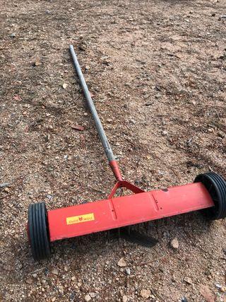 Rastrillo para cesped aireados de raíces