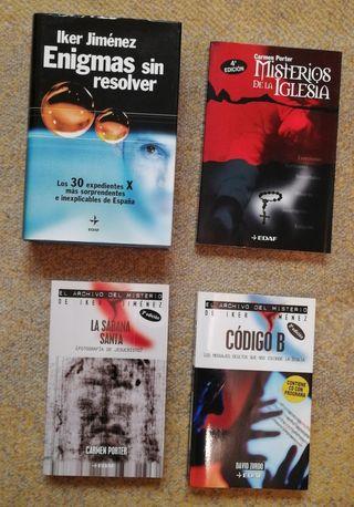 Pack de libros (archivo Iker Jiménez)