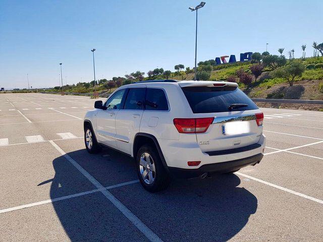 jeep gran cherokee laredo 2011 de segunda mano por 14.000 € en