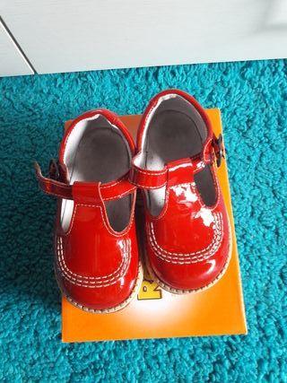 Zapato rojo Roly número 21