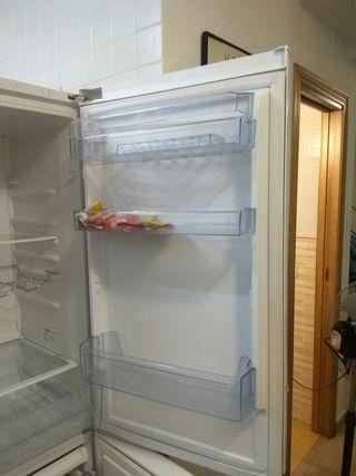 Cajones y baldas de frigorífico Beko