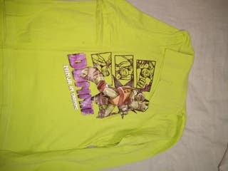 camiseta de niño talla 8 de cuello alto