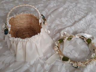 34aac8540e9a Corona   diadema y cestita para bodas o comuniones