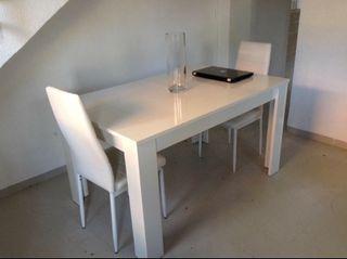 Mesa comedor extensible blanco brillo de segunda mano por for Mesa comedor blanco brillo
