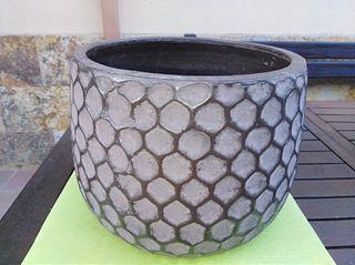 Maceta decorativa de barro esmaltada