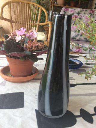 Buque de cristal murano negro y blanco moderno