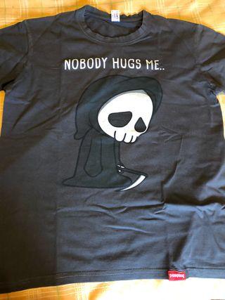 Camiseta Pampling muerte Nobody hugs me talla S
