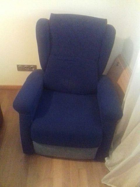 Sillon relax tapizado en color azul de segunda mano por 50 € en ... 5856d9f0ee