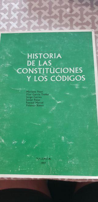 Libro historia de las constituciones y códigos.