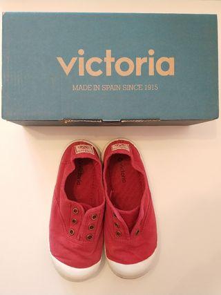 Zapatillas lona Victoria 29