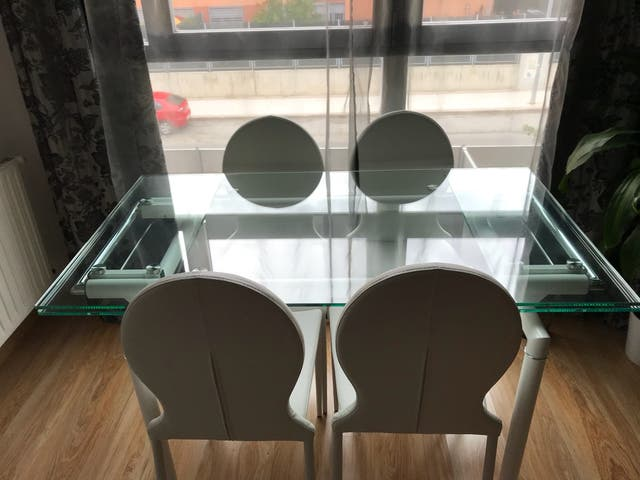 Mesa comedor+4 sillas. de segunda mano por 400 € en Fuenlabrada en ...