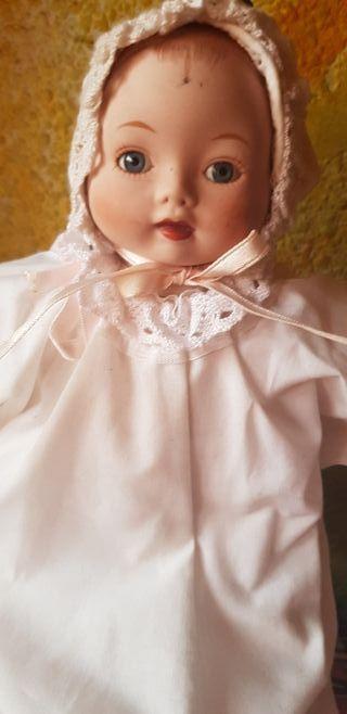 muñeco de porcelana marca alberon
