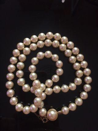 2c5c365f2c19 Collar de perlas naturales de segunda mano en Madrid en WALLAPOP