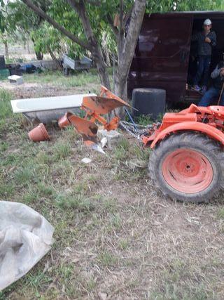 se alquila maquinaria agricola