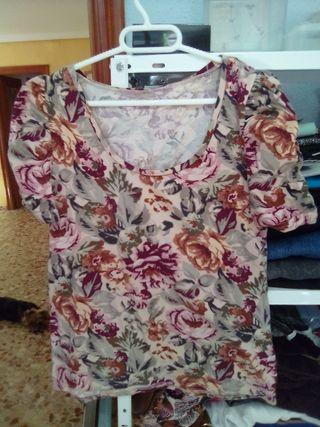 camiseta a flores