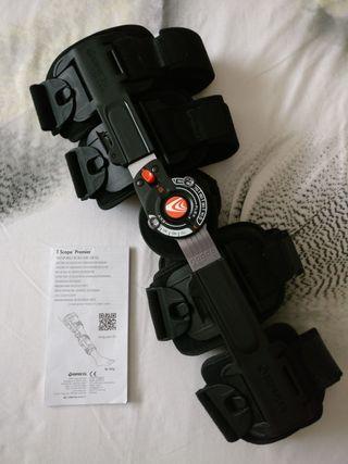 Prótesis articulada telescópica de rodilla.