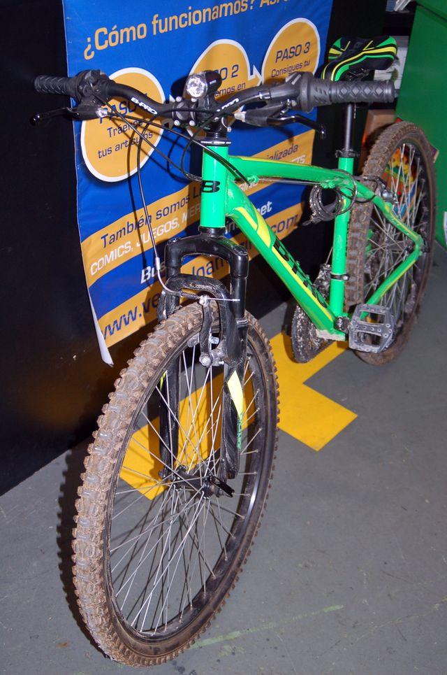 bicicleta de montaña B-PRO M100 sin apenas