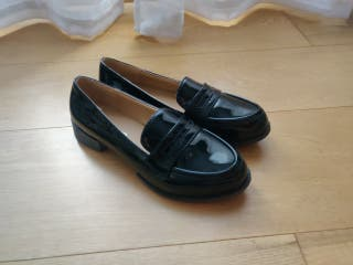 Zapatos charol sin usar