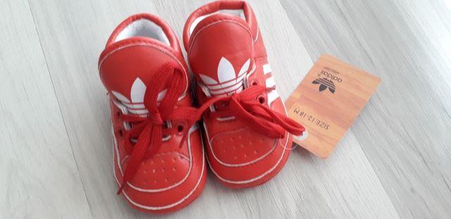 284ff684c Botas Adidas para bebé de segunda mano por 10 € en Faes en WALLAPOP
