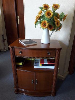 Mesa de televisor o mueble auxiliar