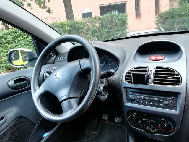 Peugeot 206 5P X-LINE 1.4 75CV