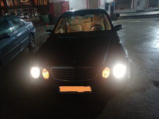 se vende Mercedes 220 en buen estado de chapa de motor transferencia incluida