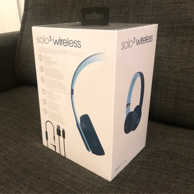 Beats Solo 3 Wireless (Pop Blue) unopened