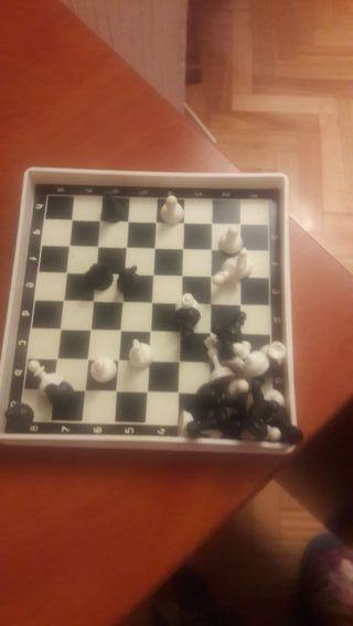 ajedrez imantado