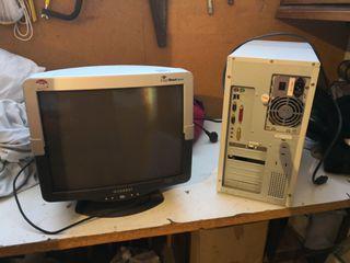 Pc y monitor antiguo. funcionan