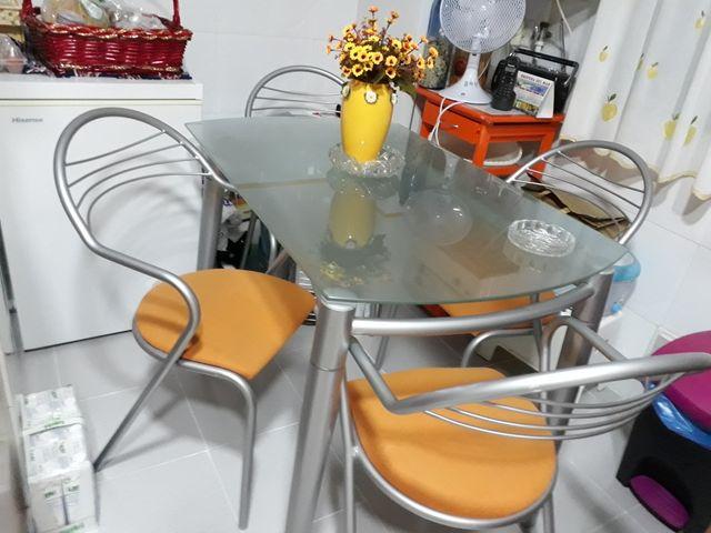Mesa y sillas para cocina de segunda mano por 150 € en Madrid en ...