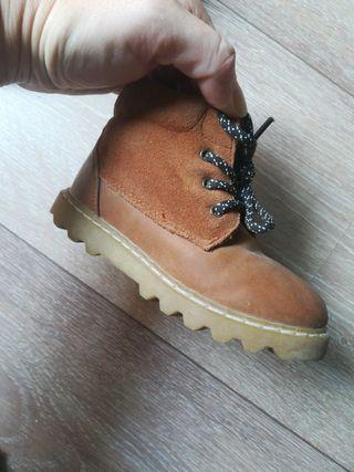 zapatos Zara sin estrenar. niño t. 23 24