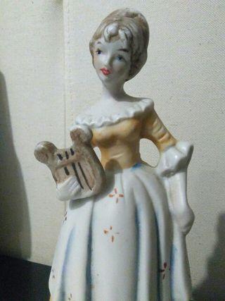 Figurita porcelana